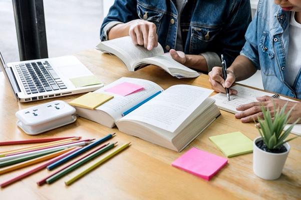 Kinh nghiệm giảng dạy từ gia sư dạy Hóa: học sinh cần hình thành thói quen viết ghi chú