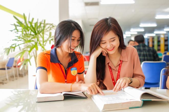 Hãy đánh giá thái độ, trách nhiệm đối với việc giảng dạy của mỗi gia sư.